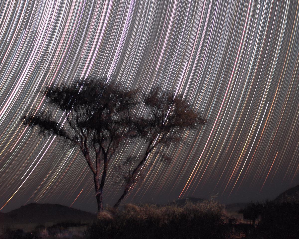 Példa a fényes csillagokra (sok rövid expozíció, nyitott blendével, nagy érzékenységgel).