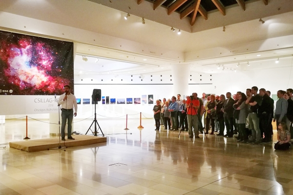 Csillag-képek kiállítás megnyitó