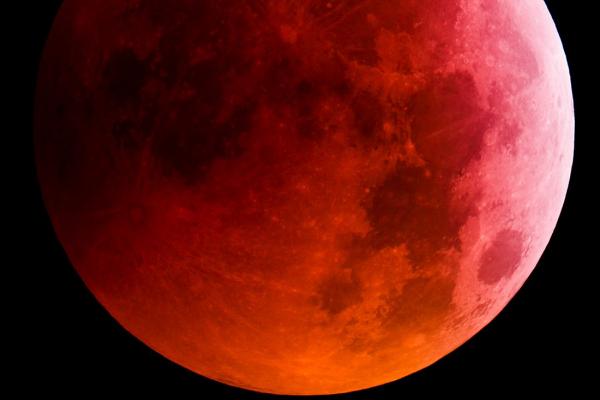 Legszebb képek a holdfogyatkozásról