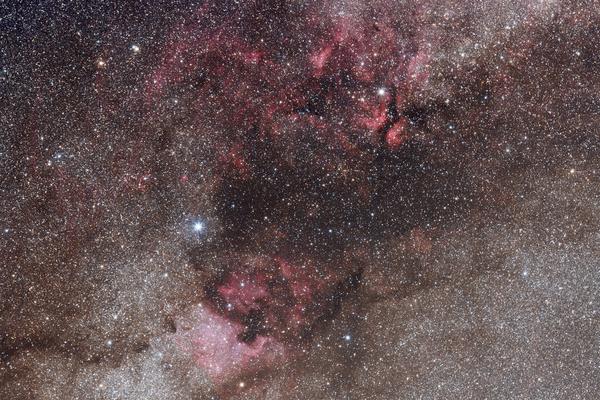 Tepliczky Csilla: Fordítsd a teleobjektívet az ég felé (2018.06.02.)