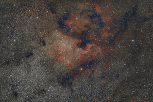 NGC700 és környezete