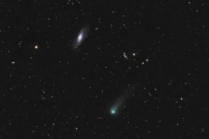 A C/2017 T2 (PANSTARRS) üstökös és a Messier 106 galaxis
