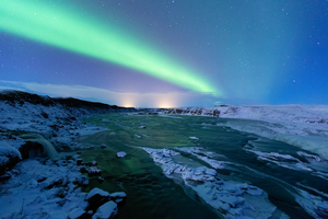 Urriðafoss és a sarki fények
